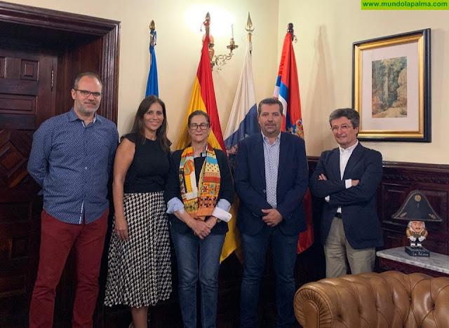 Representantes de la AECC visitaron ayer el Ayuntamiento de Santa Cruz de La Palma