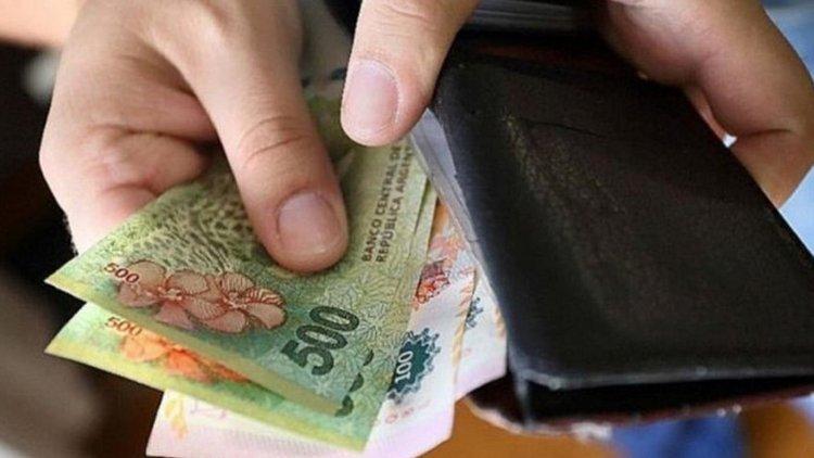 Caen los ingresos familiares, el 70% de los argentinos gana menos de $19.800