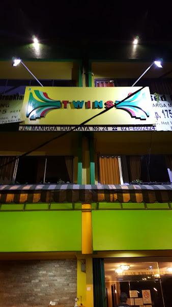 Twins Hotel Manggadua
