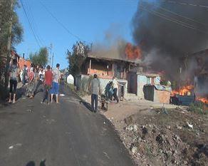 Paşaköy de 4 ev kül oldu