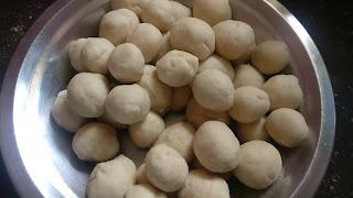 Wheat flour balls