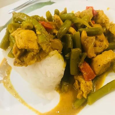 Kurczak curry z warzywami i ryżem