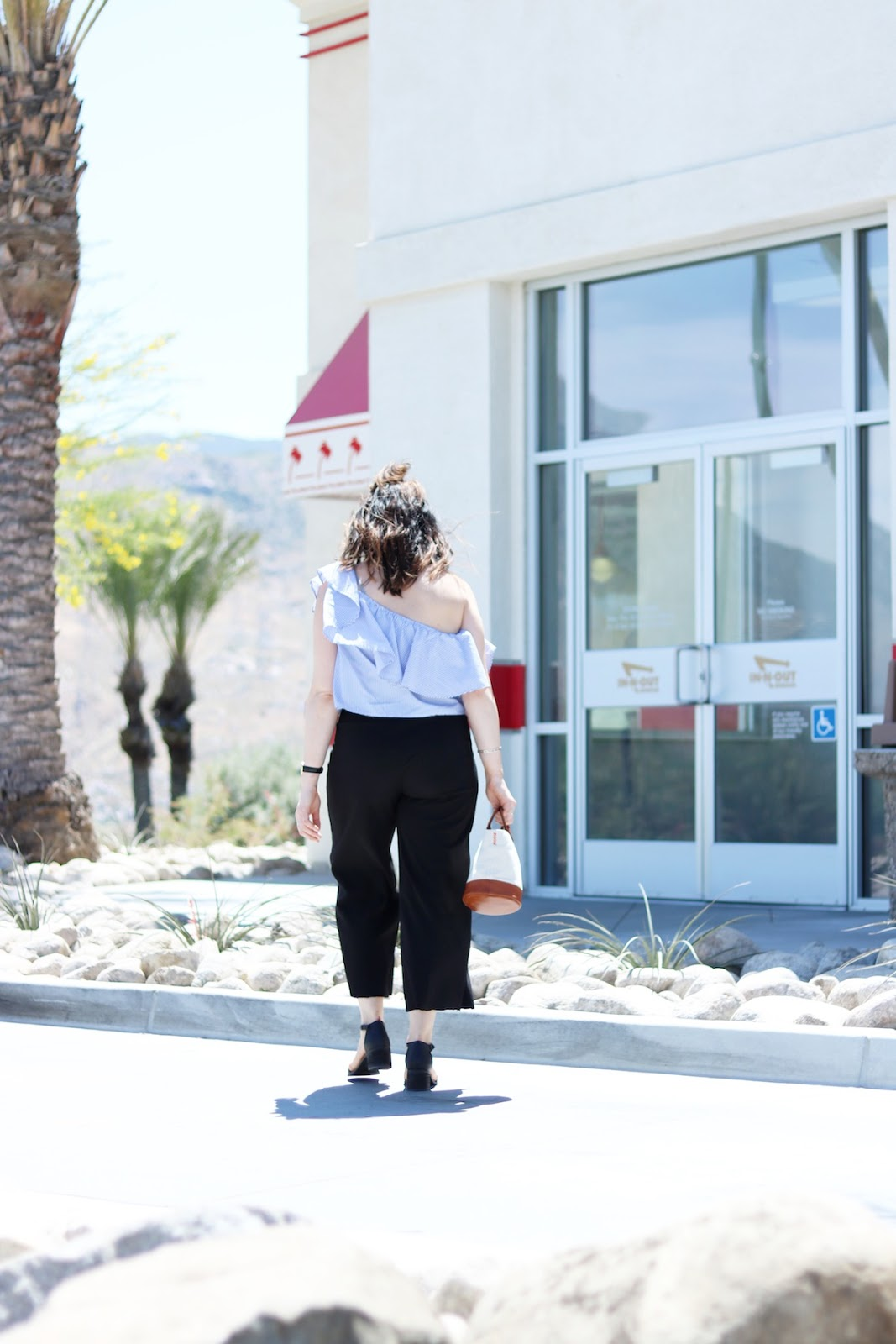 forever 21 striped of the shoulder top outfit blogger le chateau culottes in n out 2