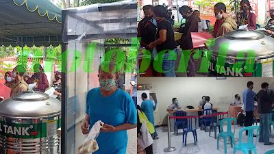 penerima blt kantor pos kebon rojo di surabaya ikuti protokol kesehatan