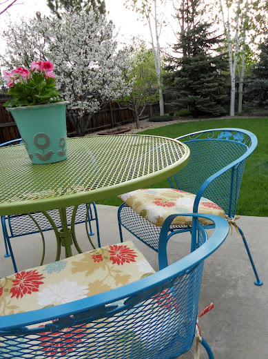 Turquoise Patio Chairs Outdoor Plastic Kmart Just Another Hang Up March 2012 The Last Couple Of Weeks I Ve Been Working On Recovering Chair Pads And Cushions Above That Had Inadvertently Left Out Over Winter