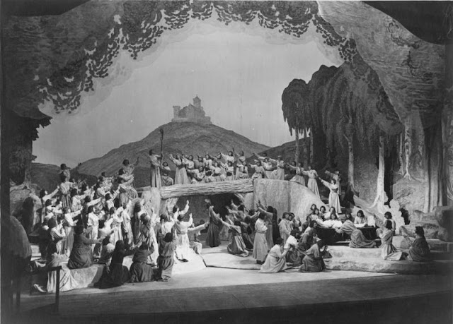 Richard Wagner: Tannhäuser - final scene at Bayreuth in 1930