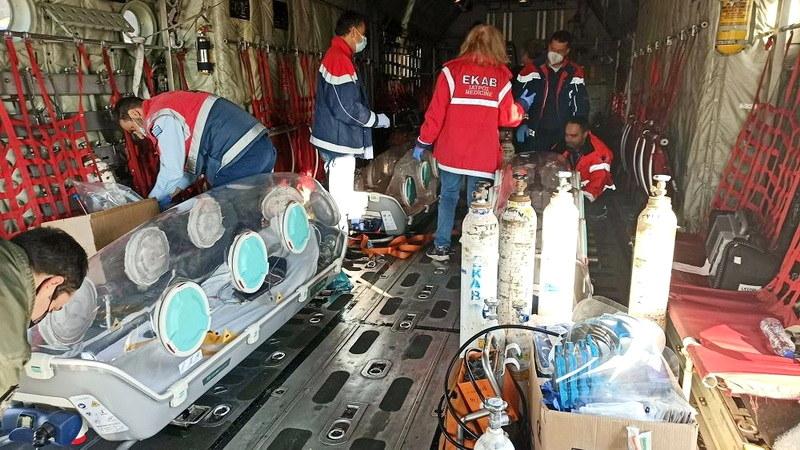 Με επιτυχία ολοκληρώθηκε η αεροδιακομίδη τριών διασωληνωμένων ασθενών με Covid-19 από το Νοσοκομείο Δράμας
