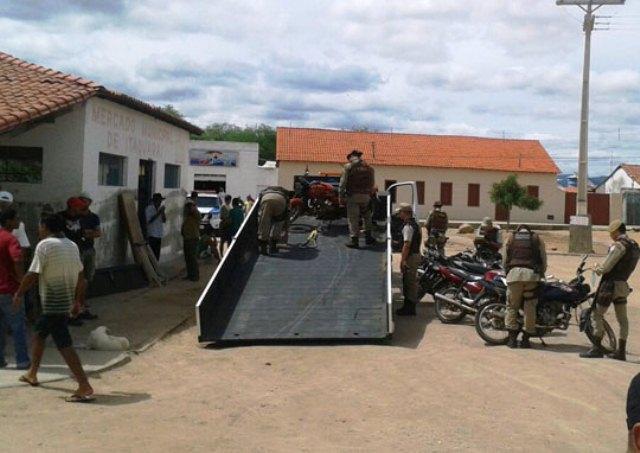 Operação entre 34ª CIPM e 2ª CIPRv resulta na apreensão de vários veículos em Itaquaraí/Brumado