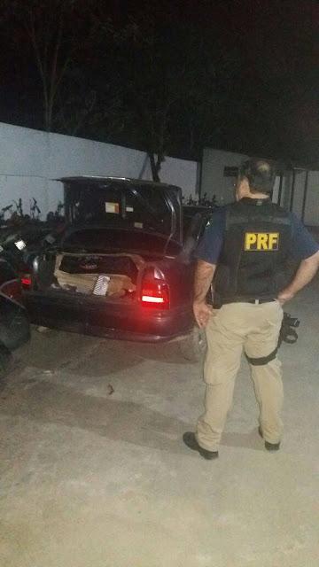PRF flagra tentativa de saque de carga de caminhão na Régis Bittencourt
