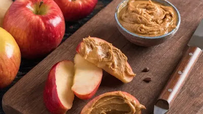Simpan 5 camilan rendah kalori ini di meja kerja Anda untuk melawan rasa lapar