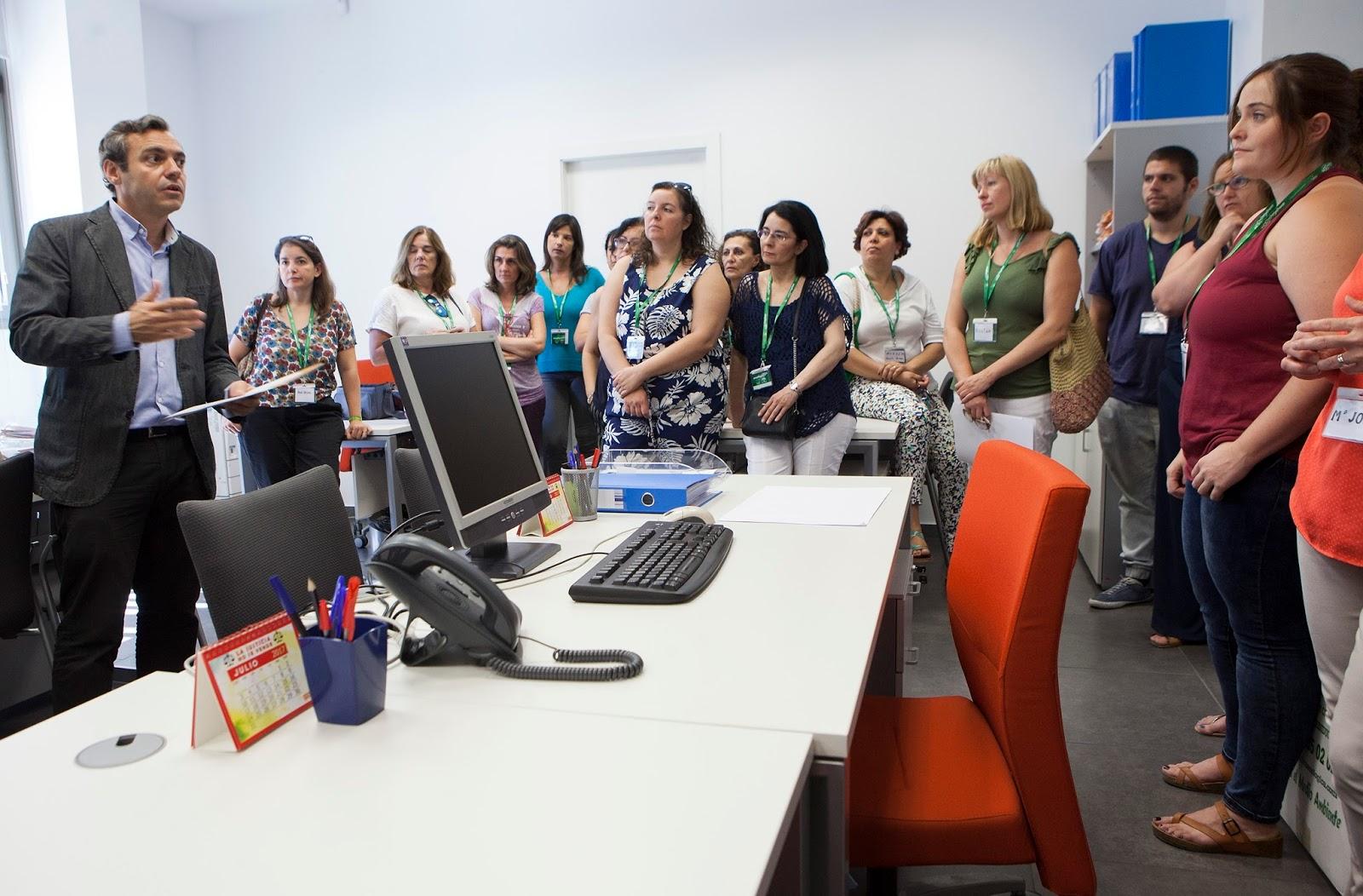 Gel n noticias la oficina municipal por el derecho a la for Oficina junta de andalucia