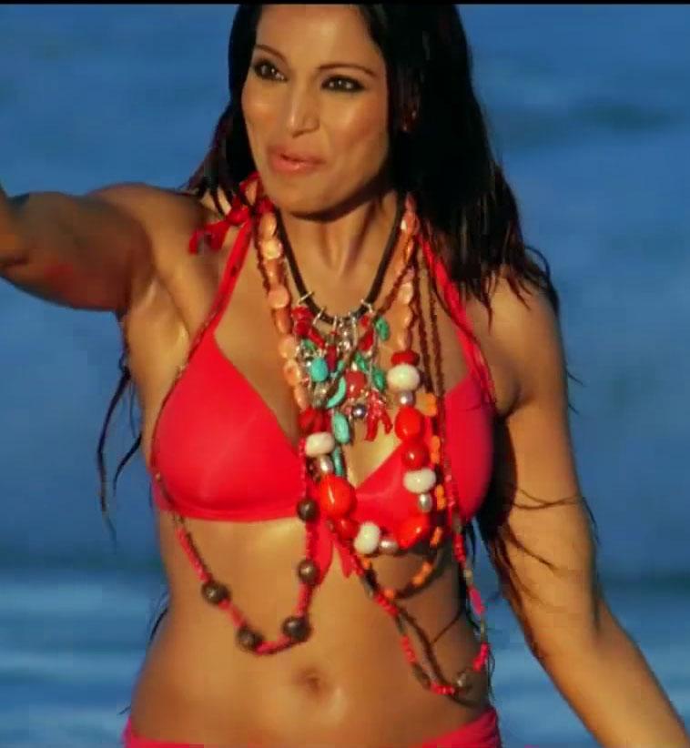 Bipasha Basu in Bikini in sea