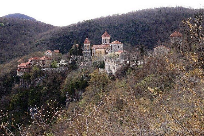 Общий вид монастыря Моцамета