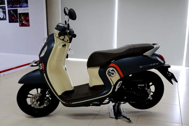 Warna Fashion Blue All New Scoopy 2021