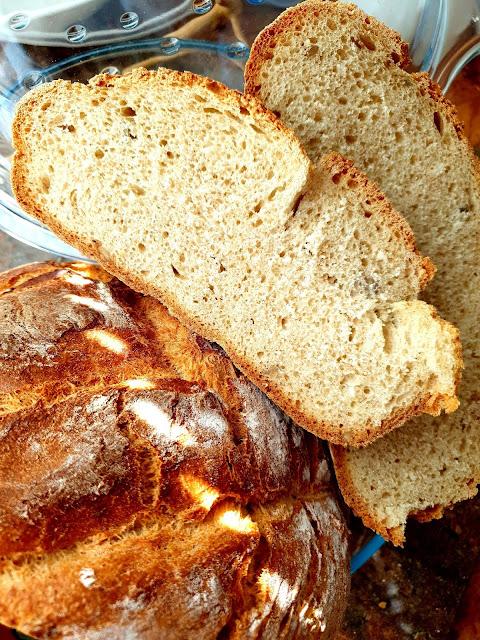 chleb z naczynia żaroodpornego, chleb z garnka, najprostszy chleb na drożdżach, chleb, jak upiec chleb,Pyszny i prostu chleb,z kuchni do kuchni top blog,łatwy chleb,chleb dla początkujących