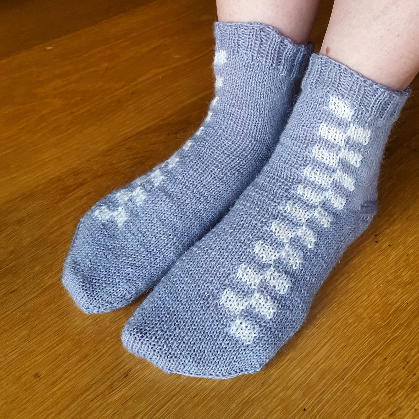 Knitting and so on: Battenberg Socks with Ergonomically Shaped Toes