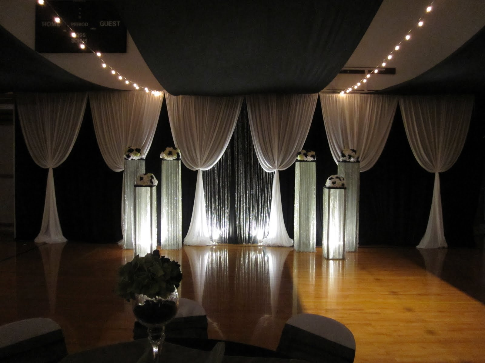 Diy Wedding Backdrop With Lights Uweddings Fabulous February Take A Peak At Some Of