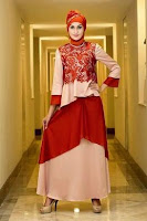Desain gaun pesta muslim dengan motif cantik