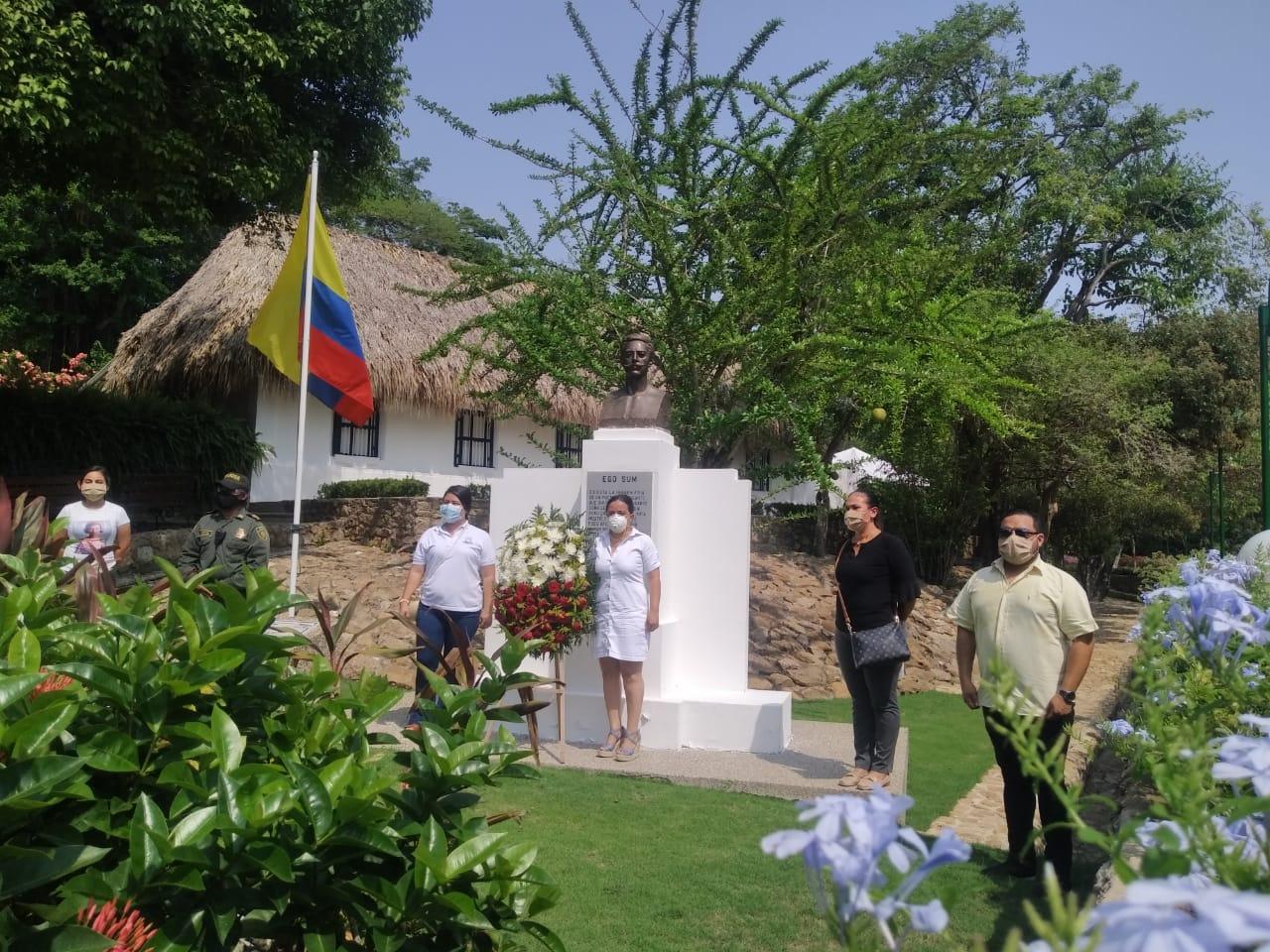 Conmemoración del Natalicio de nuestro Poeta Julio Florez, hoy 22 de Mayo de 2.020, en los jardines de la Casa del Poeta en Usiacurí