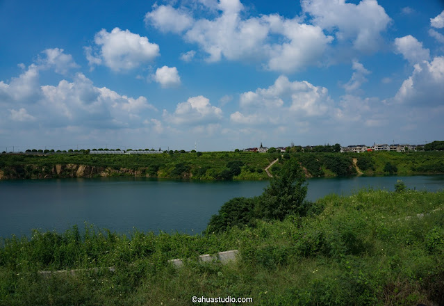 Photography: Blue Lake under the Blue Sky 3
