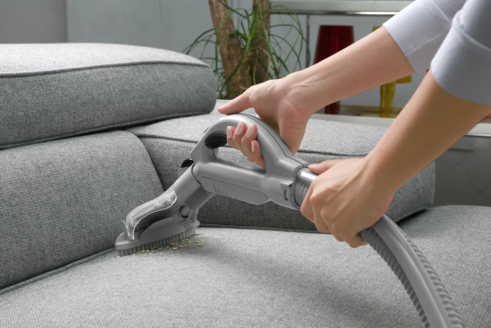 Apa Manfaat Layanan Pembersihan Sofa Profesional?