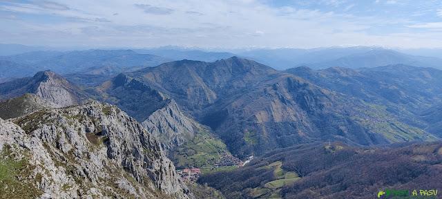 Desde el Monsacro vista hacia los Picos de Europa