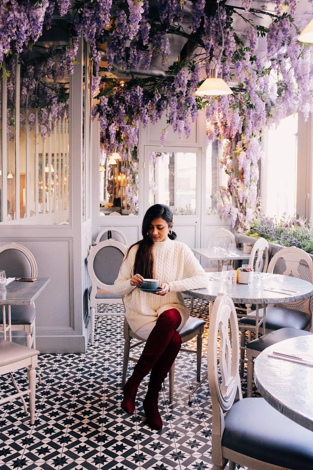 a girls instagram guide to london, instagram spots in london, instagram worthy places london, aubaine selfridges, wisteria, wisteria london, avocado toast