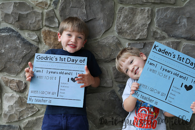 How to make back to school photo signs.