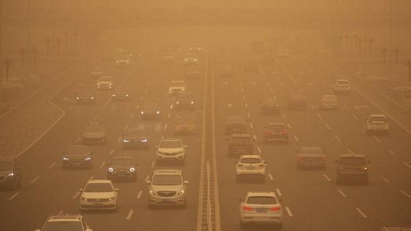 Badai Pasir di China 'Telan' Kota, Warga Tak Bisa Lihat Cahaya Matahari