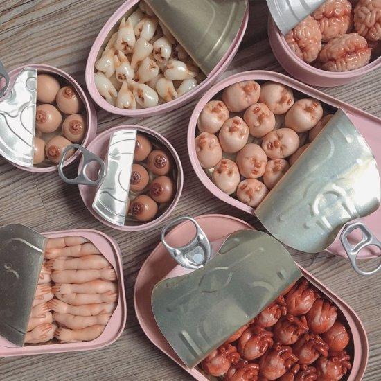 Qi Xuan Lim QimmyShimmy arte esculturas bizarras surreais terror bebês comida pedaços de corpos