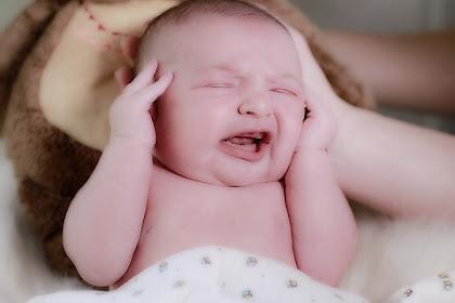 Mengapa Bayi Menjadi Demam Setelah Imunisasi?