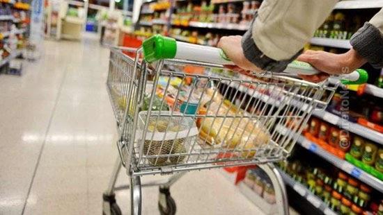 supermercado indenizar cliente duplicidade cobranca feira