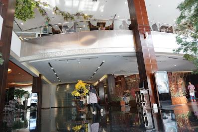 lobby yang mewah dan cantik arista hotel