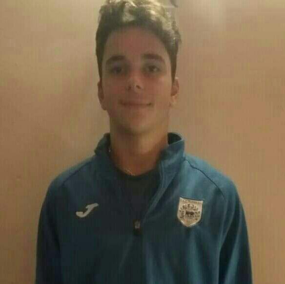 Στην Κ17 του ΠΑΣ Γιάννενα ανήκει ο ποδοσφαιριστής της ακαδημίας της ομάδας Κ15 του Θεσπρωτού Ηγουμενίτσας ο οποίος αγωνιζόταν την περσινή σαιζόν στα τμήματα υποδομής της ΠΑΕ!