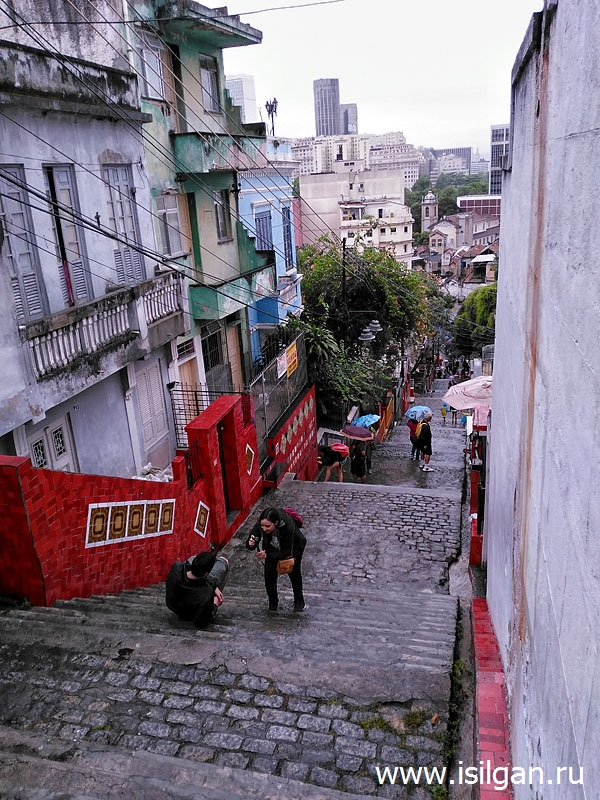 Лестница Селарона (Escadaria Selaron). Город Рио-де-Жанейро. Бразилия