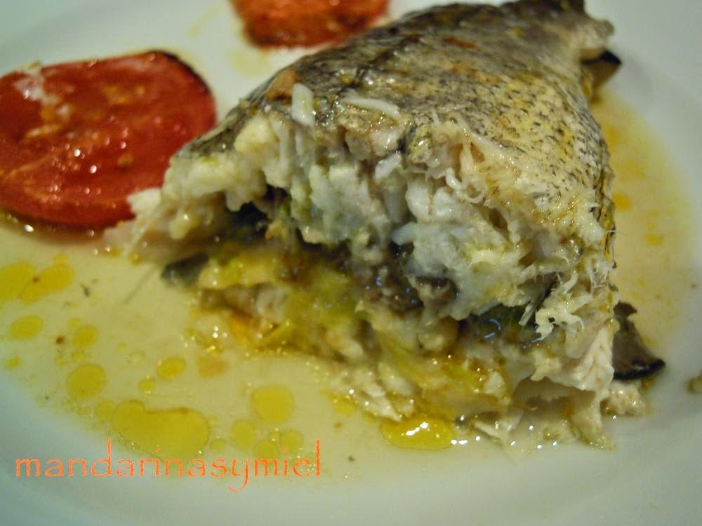 Mandarinas y miel merluza rellena de setas y gambas al - Merluza rellena de marisco al horno ...
