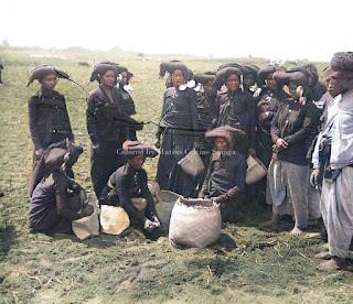 upacara persembahan makanan dari benih padi yang dikubur