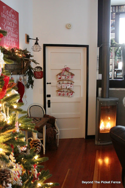 Christmas home tour, rustic farmhouse, https://goo.gl/xpejCP