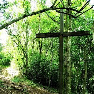 A Cruz Jacobina marca o local onde Jacobina foi morta no combate final com o Exército