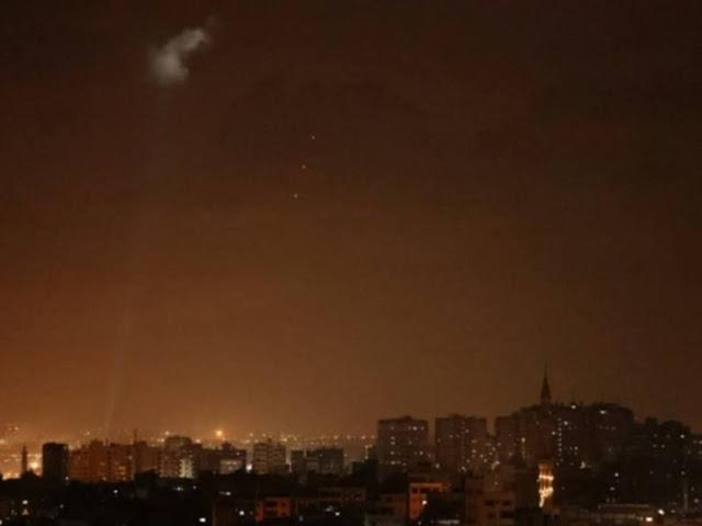 Israel Balas Palestina atas Peluncuran Balon Api