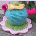http://www.creativecrochetworkshop.com/2016/07/flower-garden-tea-set-part-two/