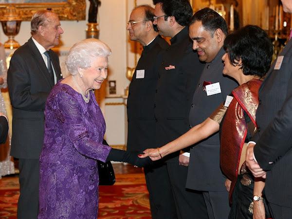 Przyjęcie w Pałacu Buckingham + więcej.