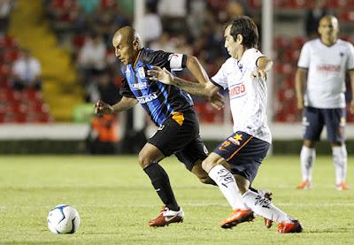 Monterrey gana 4 a 1 a Querétaro