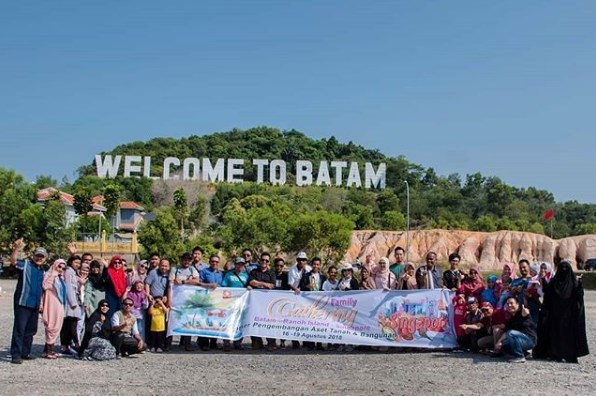 One Day City Tour Batam, Call - 0813-7836-3090 @batamtravelling