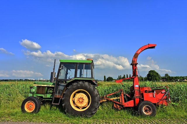 Keunggulan dan kelemahan aplikasi mekanisasi budidaya tanaman