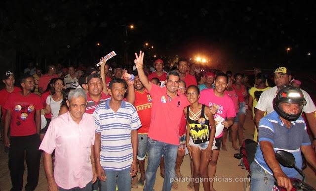 Em Paratinga, candidato Marcel Carneiro (PT) faz visitas aos moradores dos bairros Coqueiro e Iraque