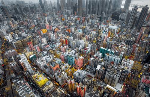 صور مذهلة من الأعلى تظهر الكثافة السكانية في هونج كونج