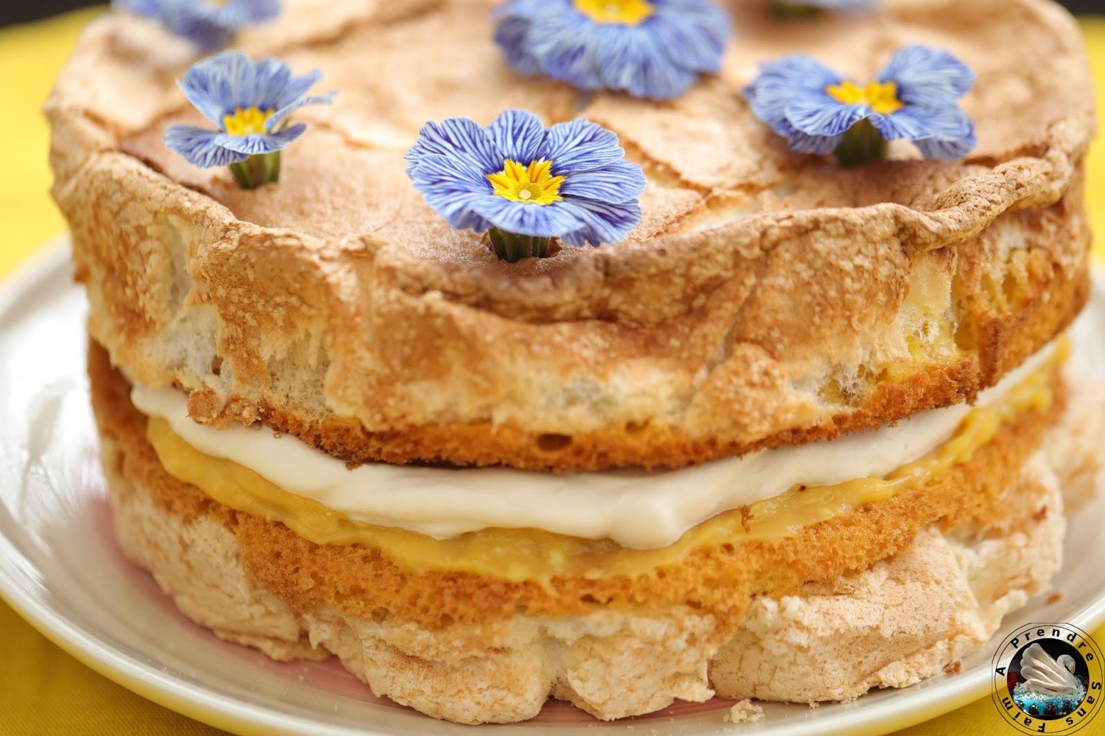 Gâteau meringué au citron et à la crème