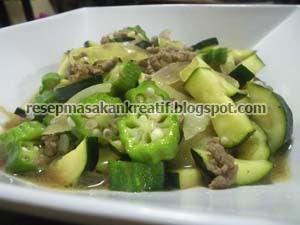 Okra dan zucchini sanggup diolah dengan banyak sekali macam aneka resep masakan RESEP TUMIS ZUCCHINI OKRA DAGING GILING