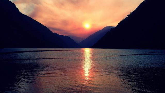 Mountains, lake, clouds, sunset wallpaper